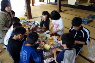 20130402(3)六年生お別れ会を開きました3