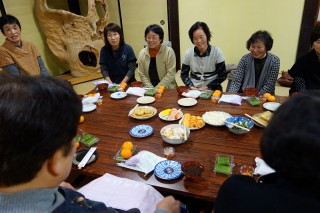 20131207(1)仏教婦人の、食べて喋って忘年会♪1